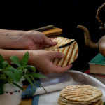 Pane alla salvia sulla griglia senza lievito
